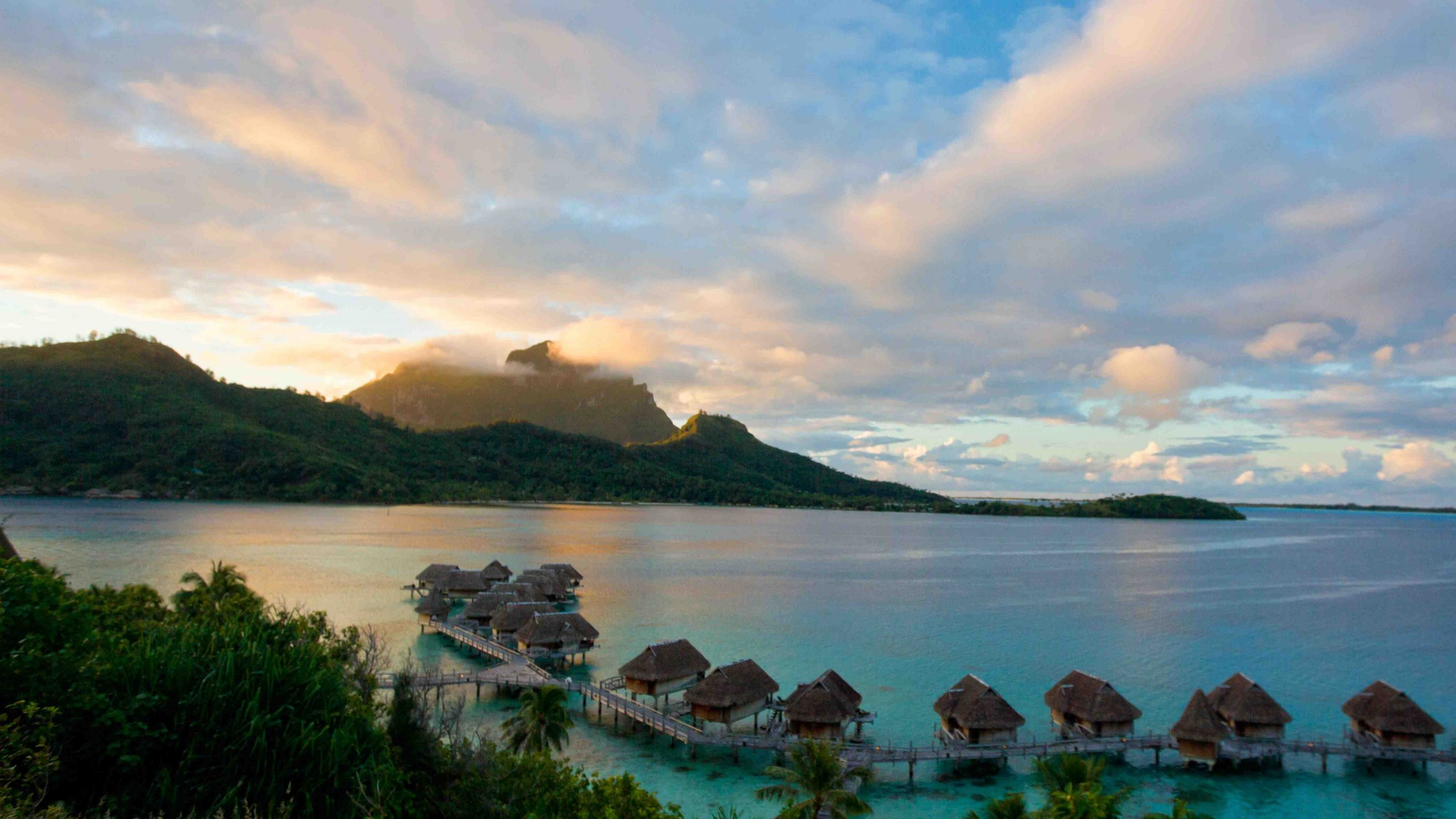How can I go to Tahiti on a budget?
