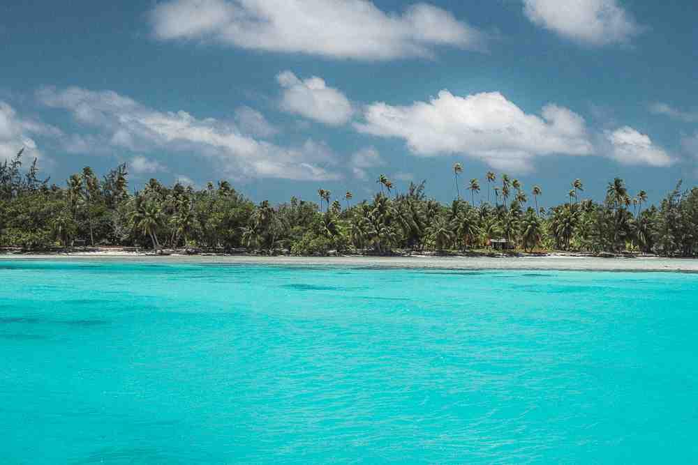 What is the rainy season in Tahiti?