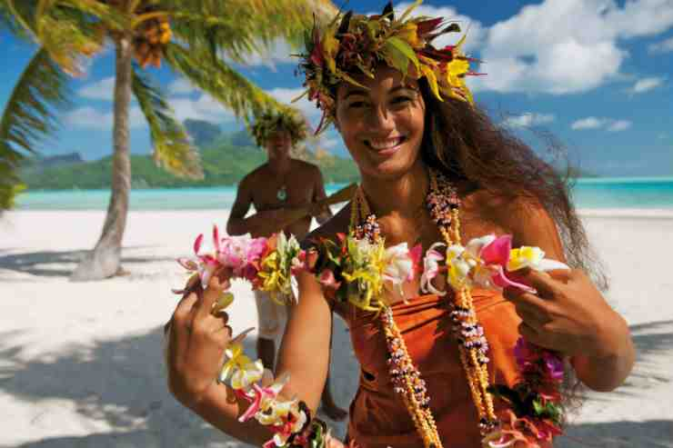 What is the major city in Tahiti?