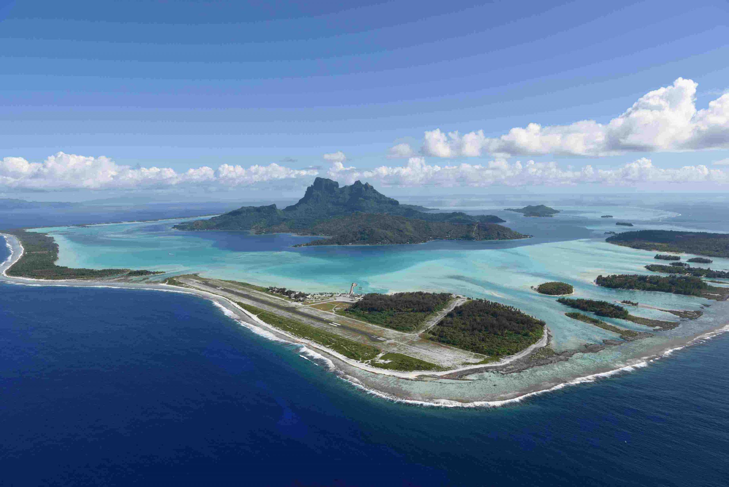 What is the main language in Bora Bora?