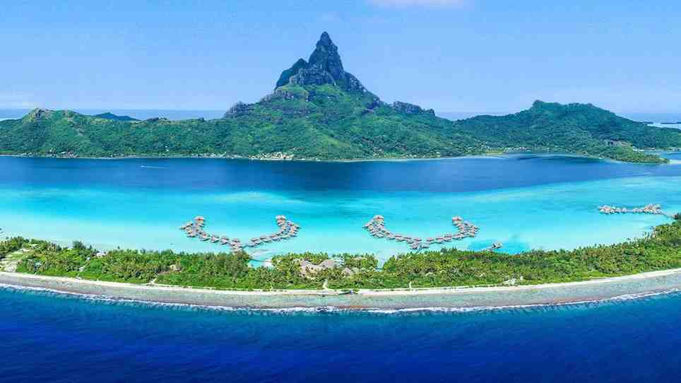 What is the main language of Tahiti?